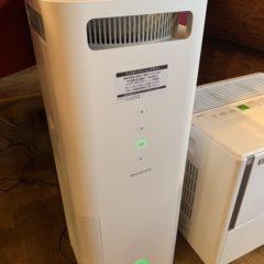 レストランホールにバルミューダ(BALMUDA)の大型空気清浄機を設置